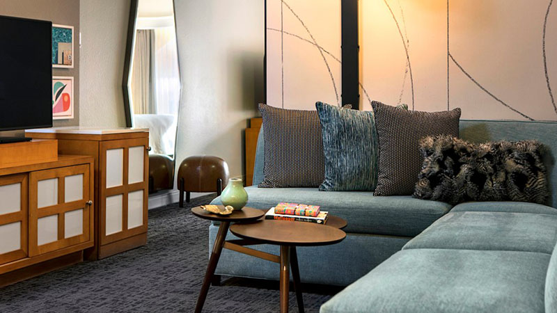 Resort Suite Renaissance room